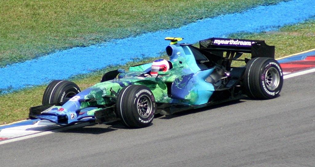 1024px-Rubens_Barrichello_2007_Malaysia.jpg