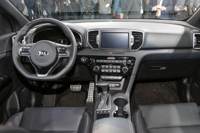 2017-Kia-Sportage-interior.jpg