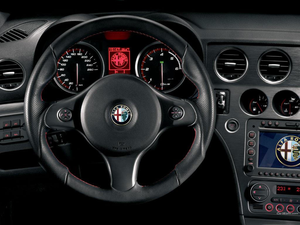 Alfa_Romeo_159_Sedan-2010-interior_95.jpg