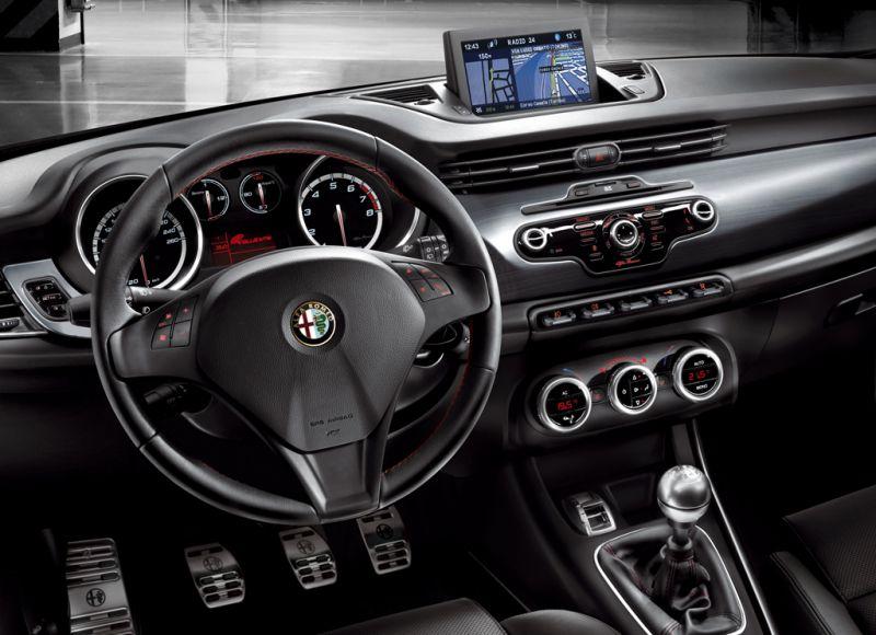 Interior-Alfa-Romeo-Giulietta-Sportiva.jpeg