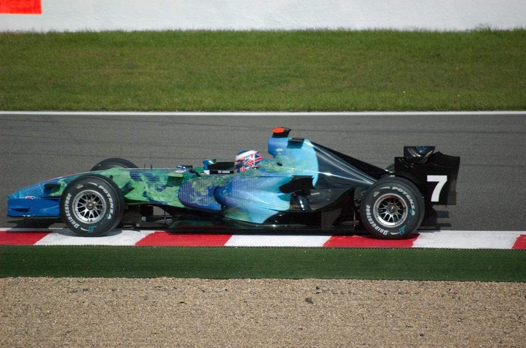 Jenson_Button_2007_Belgium.jpg