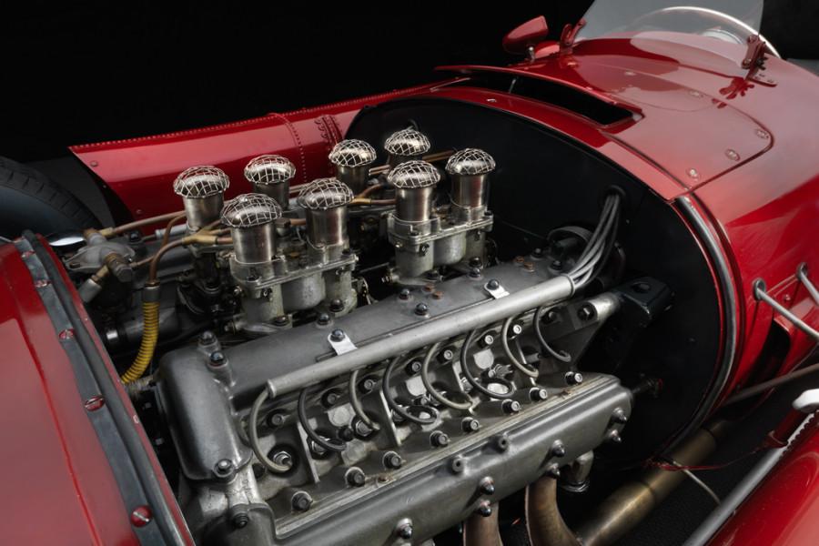 Lancia-D50-engine1-900x600.jpg